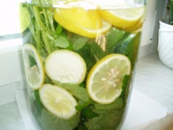 Rezept: Zitronen - Melissen - Sirup