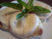 Hähnchenbrust mit Tomate und Mozzarella überbacken - Rezept