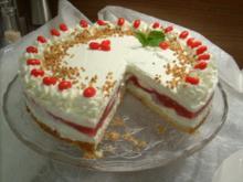 Marmorierte Rhabarber-Torte mit Joghurt-Quarksahne - Rezept