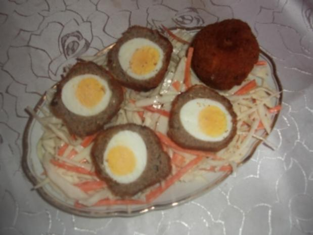 Schottische Eier auf Krautsalat - Rezept