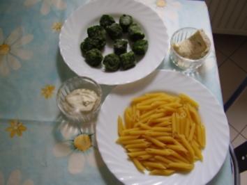 Penne mit Gorgonzola-Blattspinat - Rezept
