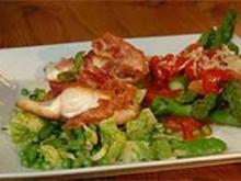 Zander im Pancetta-Mantel mit Zuckerschoten-Erbsen-Salat - Rezept
