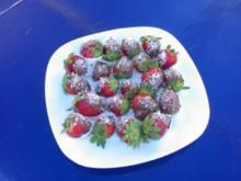 Erdbeeren im Schokomantel - Rezept