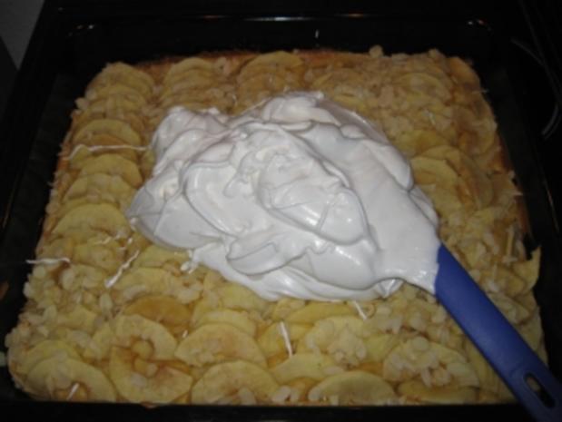 Apfel - Blechkuchen mit Erdnussbaiser - Rezept - Bild Nr. 3