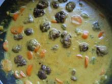 Hackbällchen mit Curry-Sause - Rezept