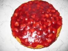 Käsekuchen mit Erdbeerspiegel - Rezept