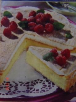 Luftige Vanille-Jogurt-Tarte mit Himbeeren - Rezept