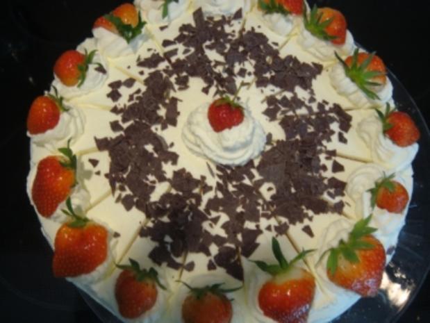 Torte: Erdbeer-Wein-Torte - Rezept