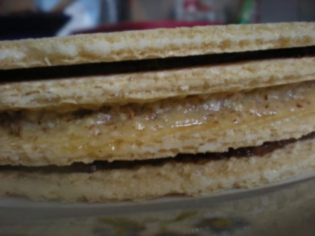 Oblaten-Torte mit schwarz-weißer Füllung - Rezept - Bild Nr. 2