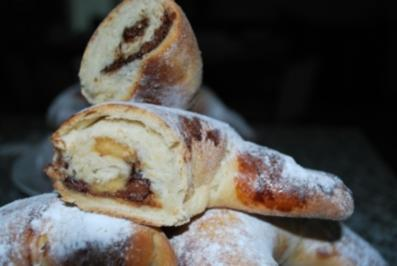Croissants mit Marzipan und Schoki - Rezept