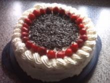 Marmorierte Erdbeer-Joghurt-Torte - Rezept