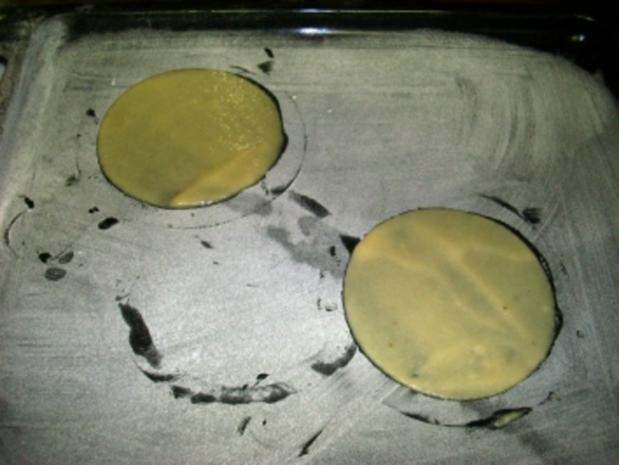 Vanilleeis in einer Hippeschale an Rotweinschaum - Rezept - Bild Nr. 2
