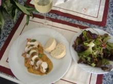 Hähnchenbrust im Salbei-Baconkleid mit Sauce pizzaiola - Rezept