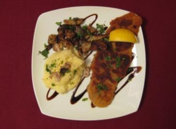 Wiener Schnitzel an Püree mit Trüffeln und Steinpilzen - Rezept