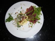Trüffeltaglierini mit Bresaola an grünem Thai-Spargel auf Parmesan-Kräutersalat - Rezept
