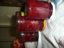 Gestampfte Erdbeer-Rhabarber-Marmelade - Rezept