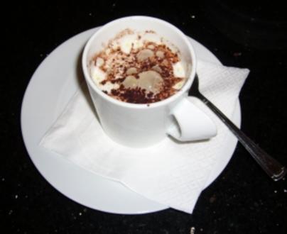Cappuccino von karamellisierter Zwiebel mit Gorgonzola-Schaum - Rezept