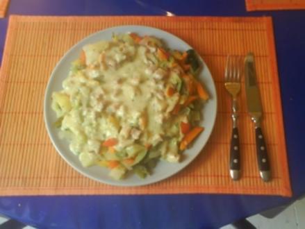 Gemüse: Gedämpftes Gemüse mit Kräuter-Käse-Specksoße - Rezept