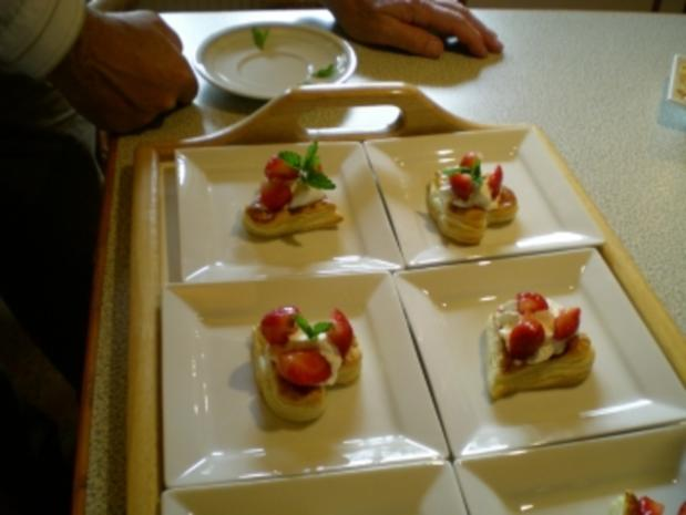 Blätterteig Herzen mit Erdbeeren - Rezept - Bild Nr. 2
