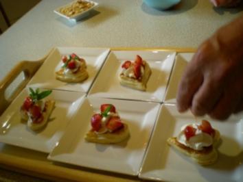 Rezept: Blätterteig Herzen mit Erdbeeren