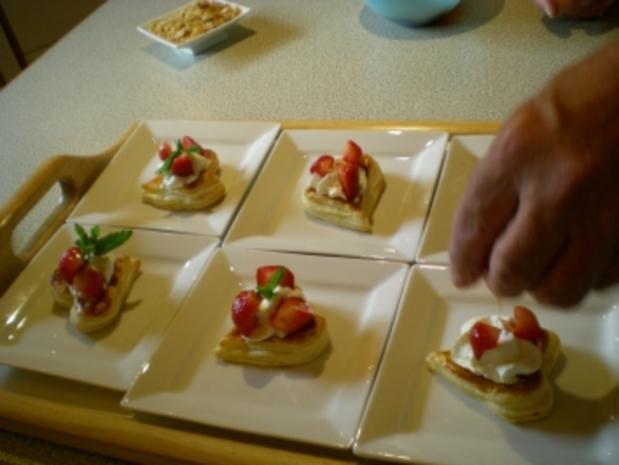 Blätterteig Herzen mit Erdbeeren - Rezept