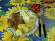 HAUPTGERICHT - Schweinekotelett mit Blumenkohlgemüse und Salzkartoffeln / Nachtisch: gezuckerte Erdbeeren - Rezept