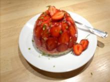 Erdbeer-Creme-Törtchen - Rezept