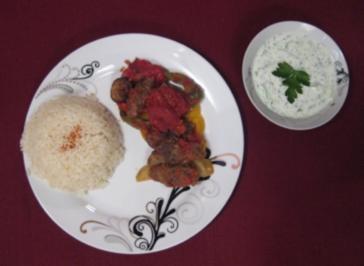 Türkische Frikadellen mit Paprika und Kartoffeln - Rezept