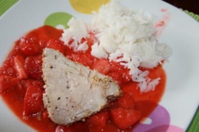 Thunfischsteaks mit Gewürz-Erdbeeren - Rezept