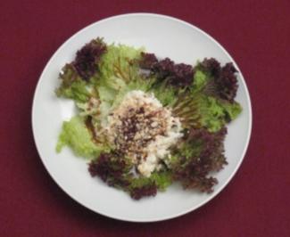 Salat mit nussen und honig