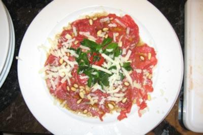 Rindercarpaccio mit Rucola und Parmesan - Rezept