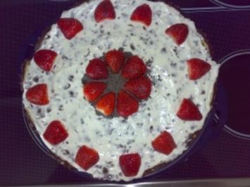 Edbeer-Mohrenkopf-Torte - Rezept