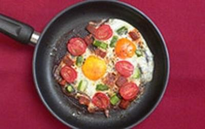 Huevos a la Flamenca Traditionell spanische Eierspeise - Rezept