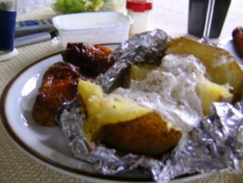 Grillflügelchen mit Grillkartoffel - Rezept