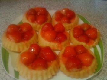kleine Erdbeertörtchen - Rezept