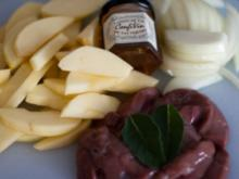 Leber mit Apfel und Zwiebel - Rezept