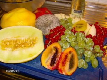 Drachenzauber - Exotischer Fruchtsalat mit Biss - Rezept