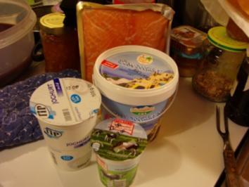 Joghurtterriene vom Räucherlachs mit Dill - Rezept