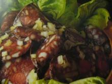 Vesper --- Schwarzer Wurstsalat - Rezept