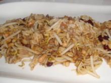 Gebratener Duftreis mit Faschiertem in roten Curry - Rezept