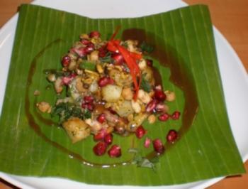 Bhel Puri indischer Snack an Minz- und Tamarindensoße - Rezept