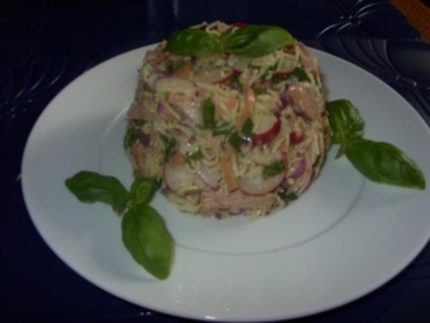 Einfacher Wurstsalat schön angerichtet - Rezept - Bild Nr. 3