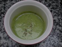 Broccolischaumsuppe mit Macis und getrocknetem Zitronenthymian - Rezept