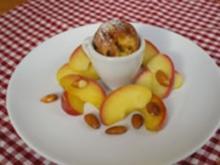Pfitzauf mit karamellisierten Apfelspalten und Mandeln - Rezept