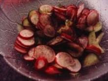 Radieschen-Gurken-Salat - Rezept