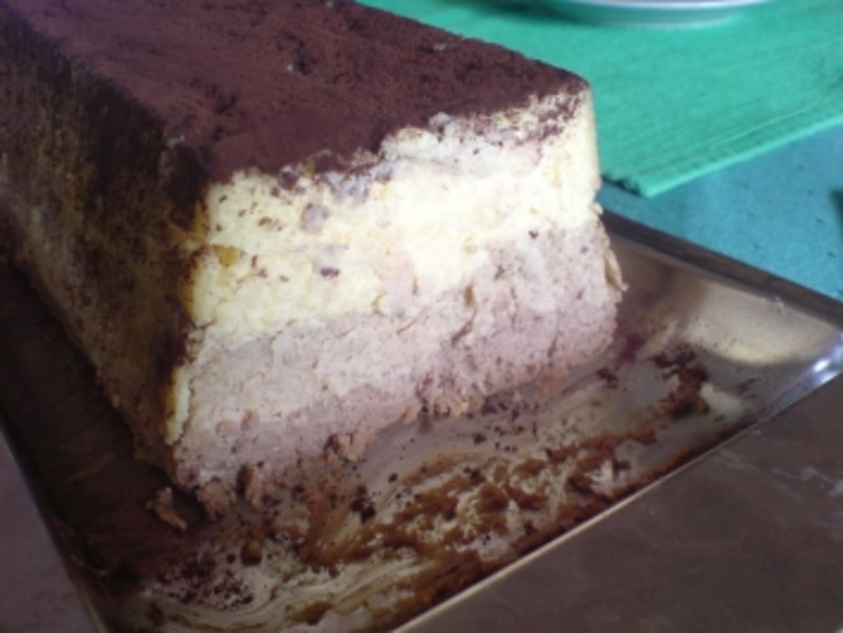 ein kuchen traum aus 3 schichten vanille kaffee schokolade rezept. Black Bedroom Furniture Sets. Home Design Ideas