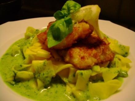 Fisch: Tilapiafilet auf Safrannudeln mit Basilikumschaum - Rezept