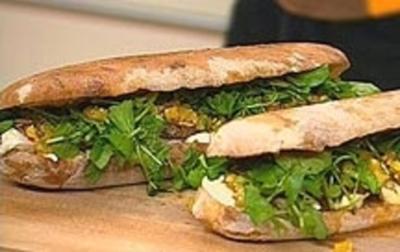 Minuten-Steak-Toast mit Brunnenkresse und Mozzarella - Rezept