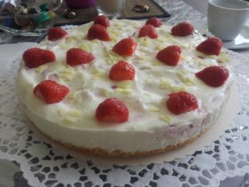 Erdbeer-Joghurt-Torte mit Knusperboden - Rezept