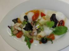 Lauwarmer Kopfsalat mit Kalamarie und Cherrytomaten - Rezept